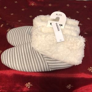 Sonoma Shoes - Sonoma Goods For Life House Slippers Size XL (11)